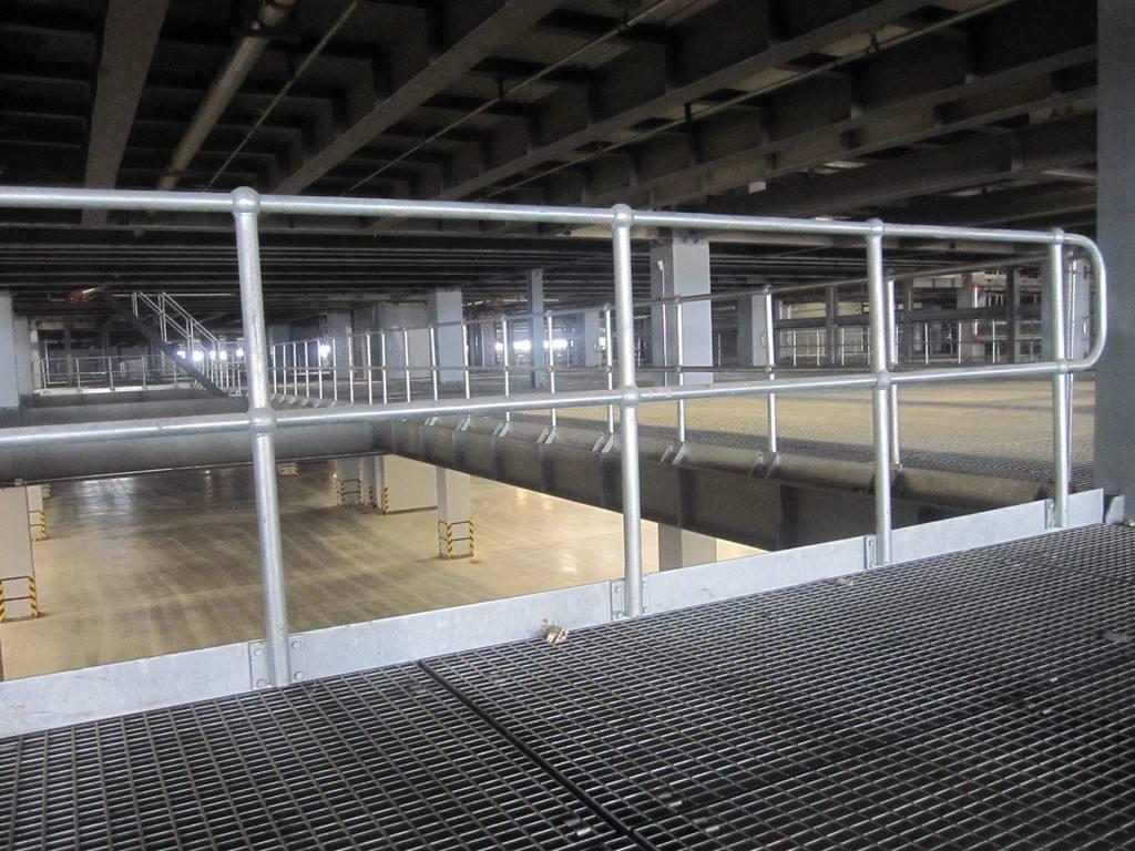 工厂钢格板铺设